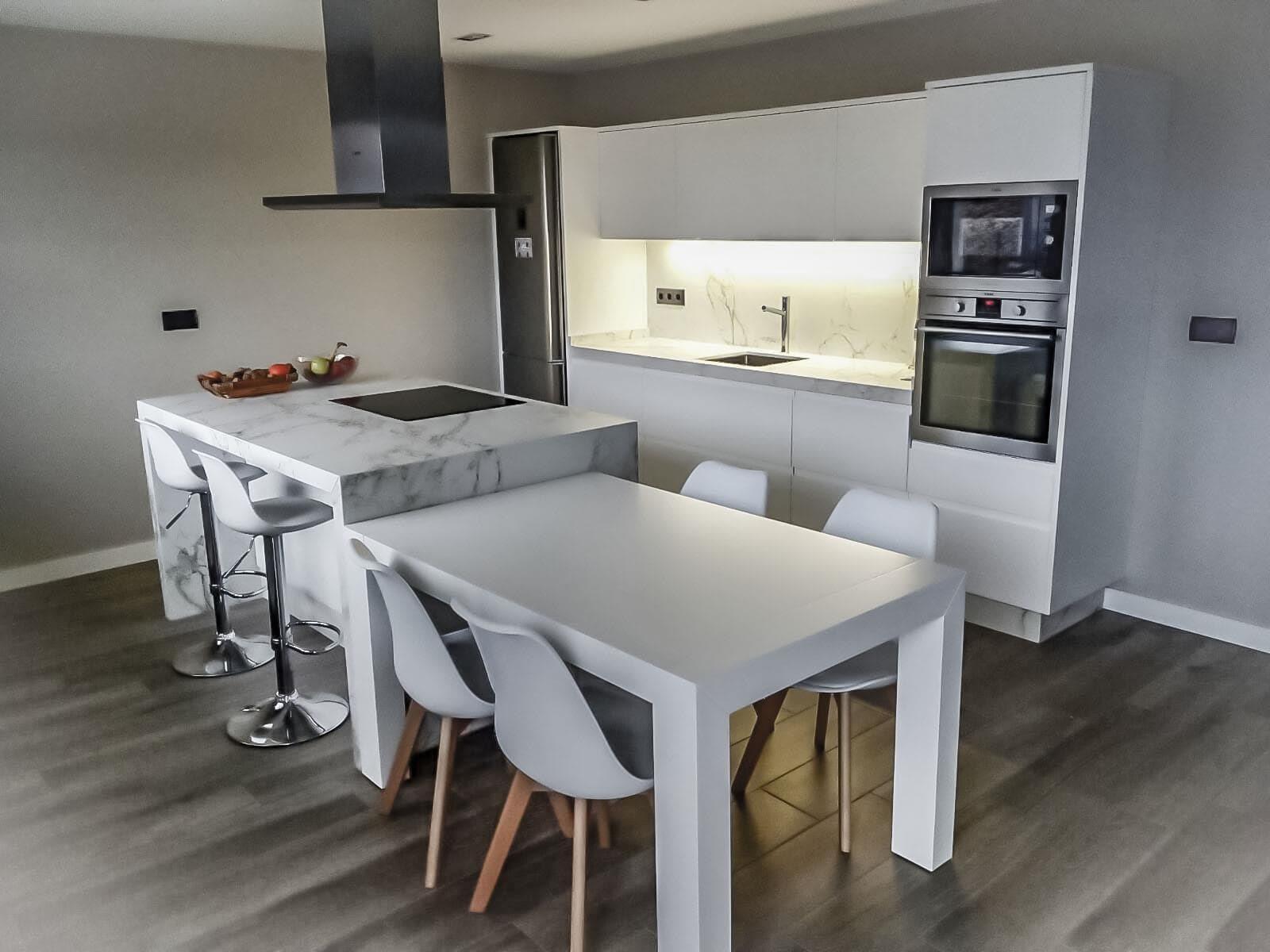Proyectos y reformas en costa da morte carballo a coru a y santiago muebles y decoraci n - Muebles de cocina coruna ...
